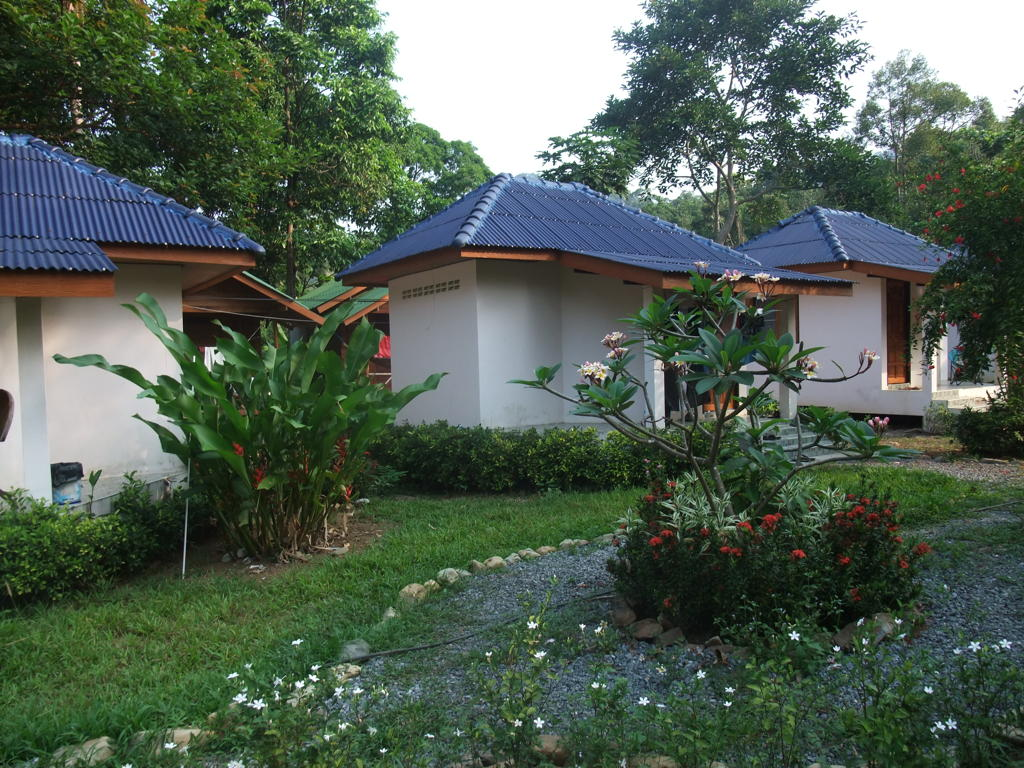 Home sunflower bungalow resort - What is a bungalow ...