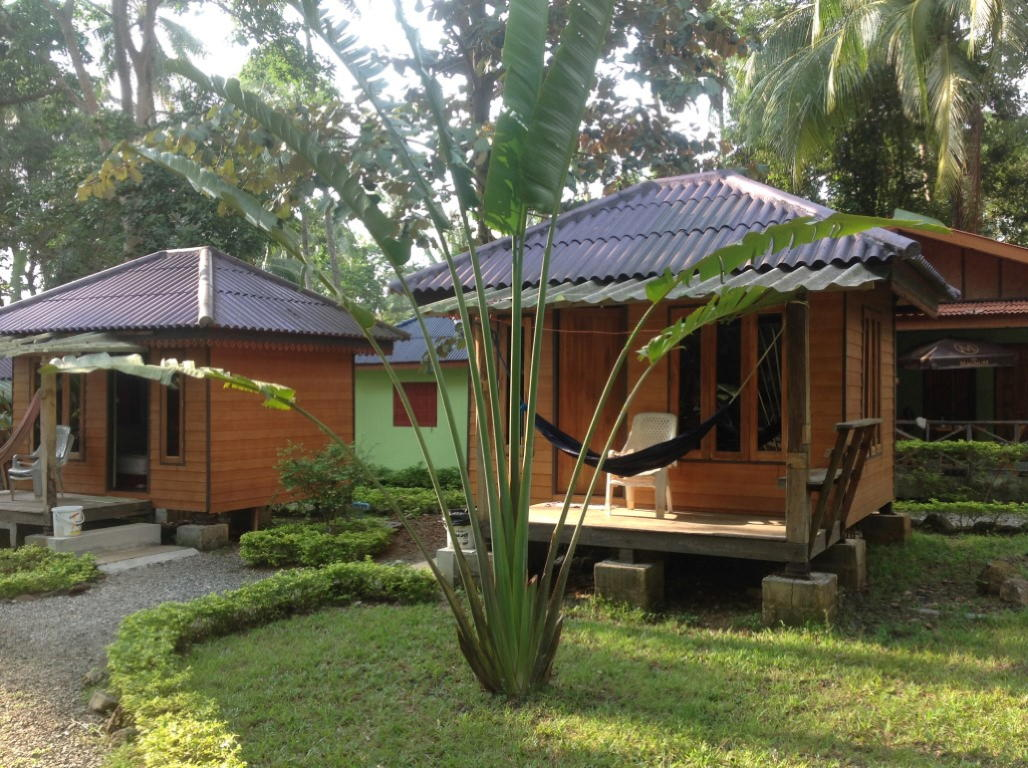 Home sunflower bungalow resort - What is a bungalow house ...
